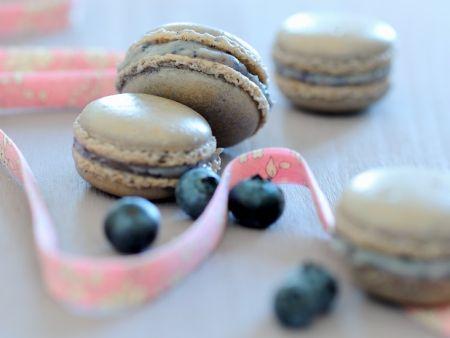 Macarons mit Heidelbeeren