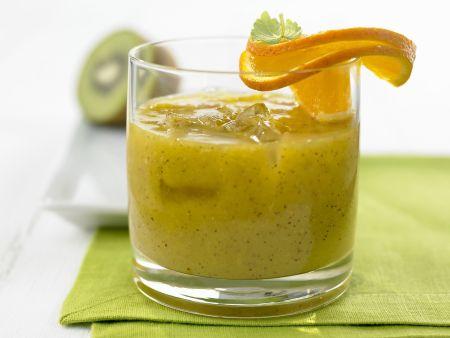 Mango-Smoothie mit Kiwi und Ingwer