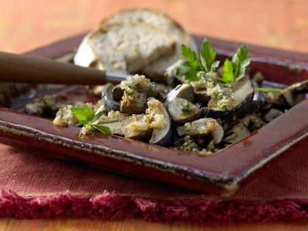 Maronenpilze mit Kräuter-Nuss-Kruste