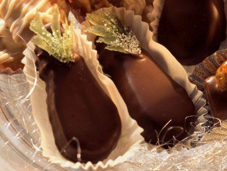 Marzipankonfekt mit Früchten