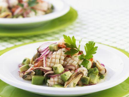 Meeresfrüchtesalat mit Avocado
