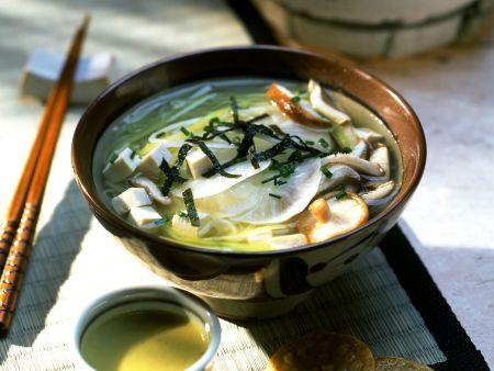 Misosuppe mit Tofu und Rettich