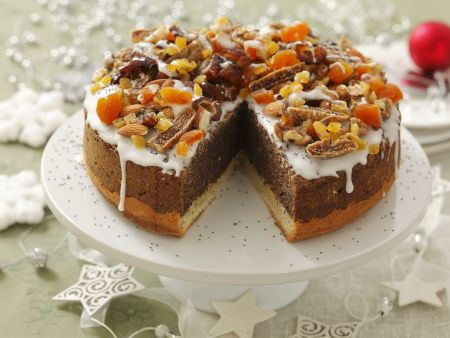 Mohnkuchen mit Trockenfrüchten
