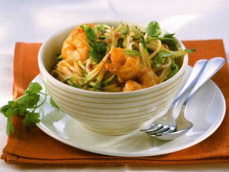 nudeln mit zucchini garnelensauce rezept eat smarter. Black Bedroom Furniture Sets. Home Design Ideas