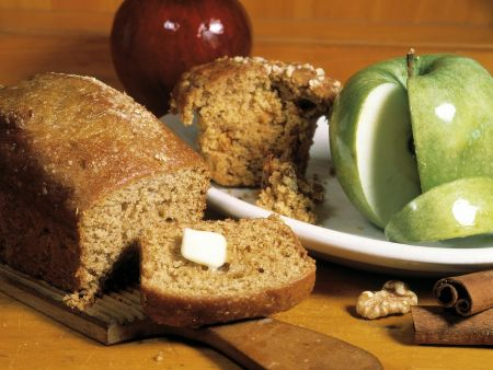 Nuss-Apfel-Brot