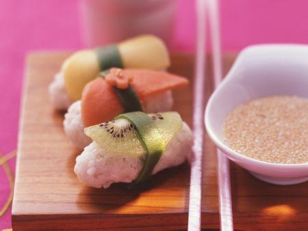 Obst-Sushi mit Honigdip