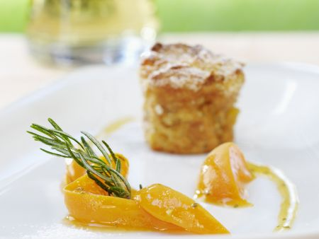Ofenschlupfer mit Aprikosenrosmarin-Kompott