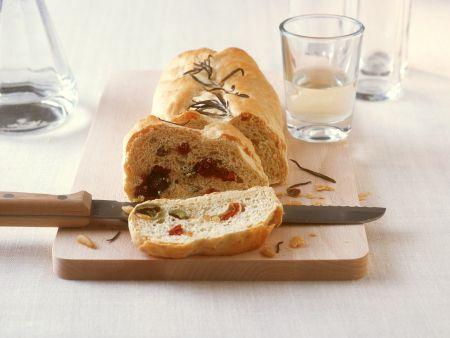 Olivenbrot mit Tomaten