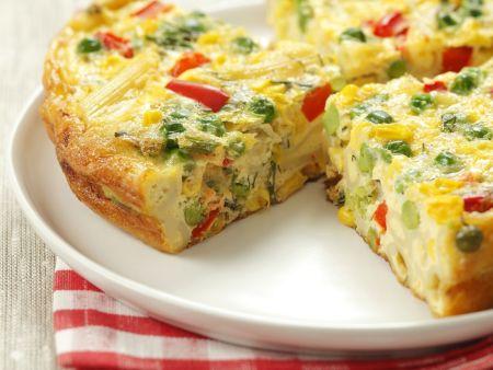 Omelett mit Nudeln und buntem Gemüse (Frittata veneta)