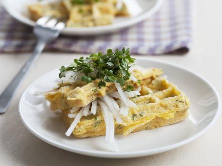 Omelett-Waffel mit Rettich und Kresse