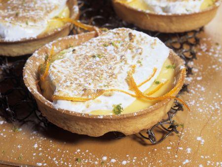 Orangen-Tarteletts mit Baiser