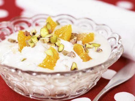 Orangenjoghurt mit Pistazien