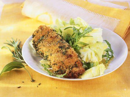 Panierte Lammschnitzel mit Salat