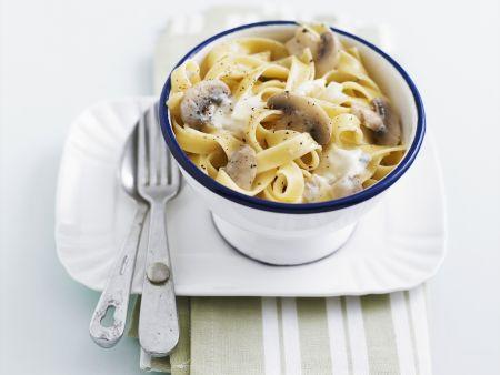 Pasta mit Champignon-Sahne-Soße