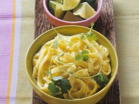 Pasta mit Curry-Kokos-Sauce