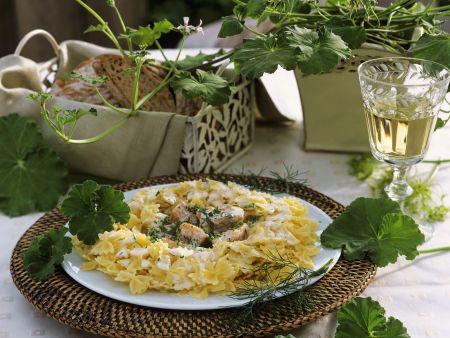 Pasta mit Lachs-Sahnesoße