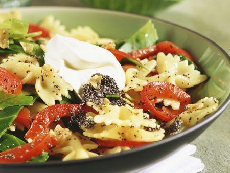 Pasta mit Mohn und Gemüse