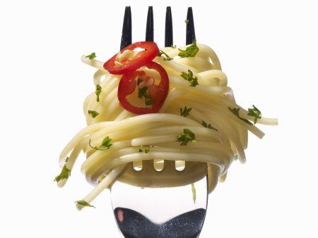 Pasta mit Peperoni und Kresse