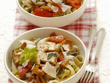 Pasta mit Pilz-Tomaten-Sugo