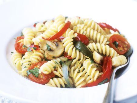 Pasta mit Pilzen und Tomaten