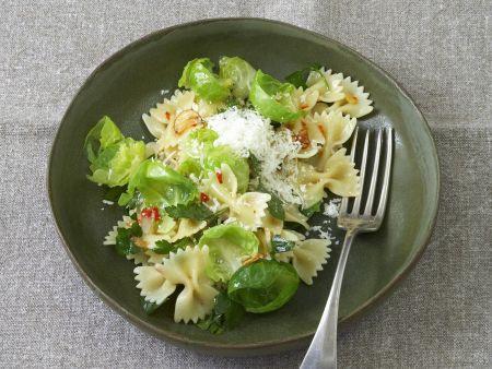 kochbuch pastagerichte unter 400 kalorien eat smarter. Black Bedroom Furniture Sets. Home Design Ideas