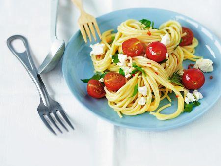 Pasta mit Tomaten und Feta