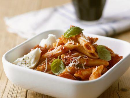 Pasta mit Tomaten und Mozzarella