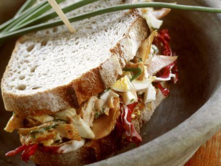 Pausenbrot mit Radicchio-Geflügelsalat
