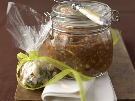 Pesto aus Datteln und Ingwer