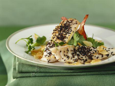 Petersfisch mit schwarzem Sesam und Püree mit Petersilie