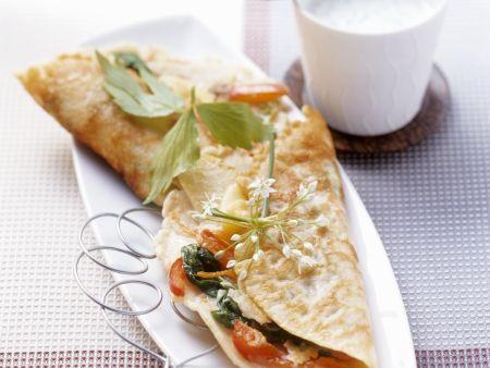 Pfannkuchen mit Gemüse und cremiger Kräuter-Soße