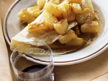 pfannkuchen mit karamellisierten ananas rezept eat smarter. Black Bedroom Furniture Sets. Home Design Ideas