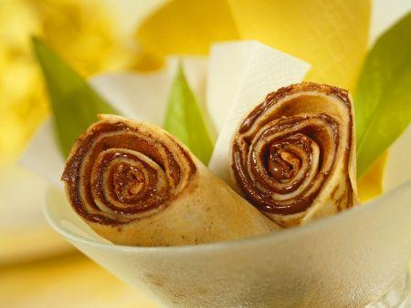 Pfannkuchen mit Schokocreme gefüllt