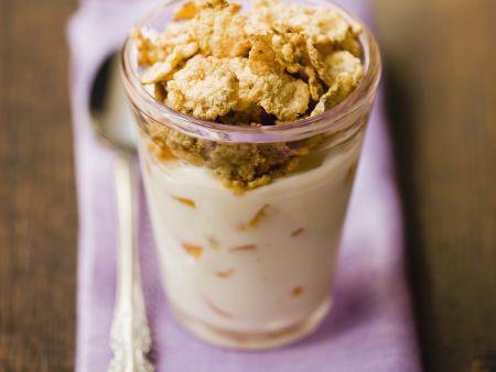 Pfirsich-Joghurt mit Vollkornflakes
