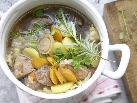 Pichelsteiner Eintopf – smarter mit viel Gemüse und dreierlei Fleisch
