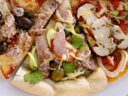 pizza mit kassler kapern tomaten rezept eat smarter. Black Bedroom Furniture Sets. Home Design Ideas
