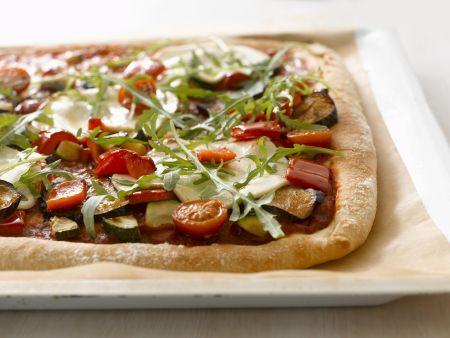 Pizza mit verschiedenem Gemüse
