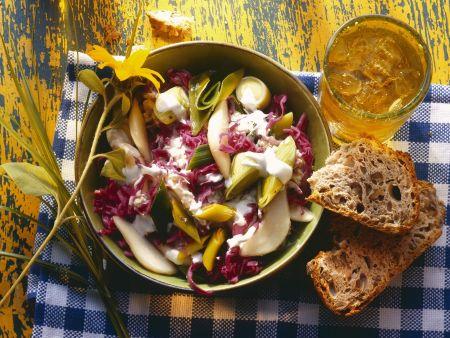 Porree-Rotkohl-Salat mit Birnen