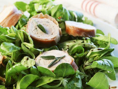 Pute mit Rohschinkenmantel und Feldsalat