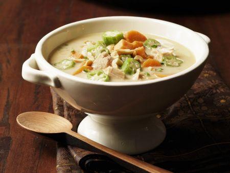 Puten-Curry-Suppe auf afrikanische Art