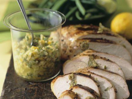 Putenbrust mit Tapenade aus Oliven und Zitronen