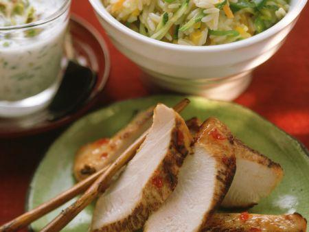 Putenbrust und Gemüsereis mit Joghurtsauce