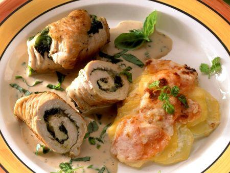 Putenrouladen mit Spinat und Karotten-Kartoffel-Gratin