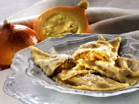 Ravioli mit Kürbis und Senffrüchten