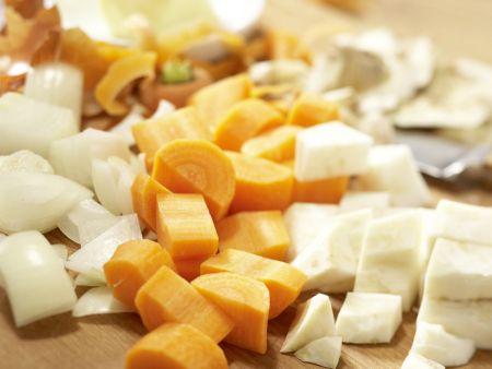 Rehrücken mit Chili-Schoko-Sauce: Zubereitungsschritt 1