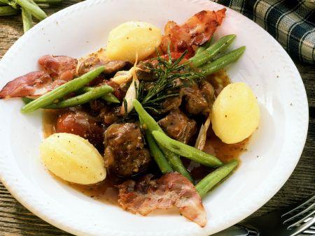 Rheinisches Hammelragout mit Bohnen und Kartoffeln