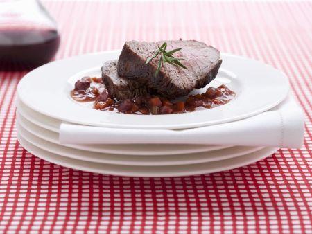 Rinderbraten mit Rotweinsoße nach italienischer Art