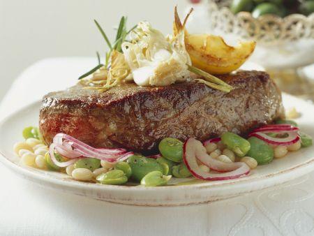 Rindersteak mit Saubohnen-Salat
