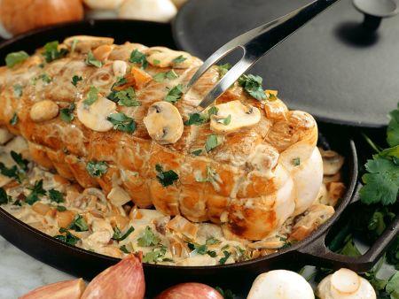 Rollbraten vom Kalb mit Pilz-Sahne-Sauce