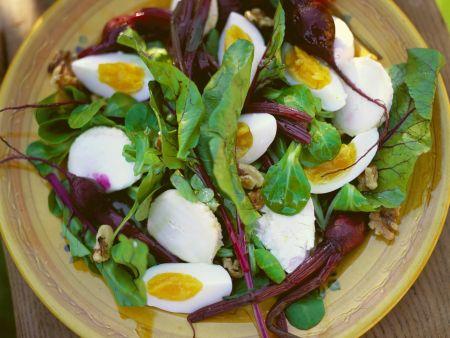 Rote-Bete-Salat mit Eiern und Mozzarella